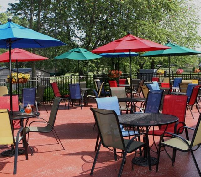 neenah-outdoor-dining